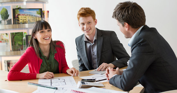 How to Find a Realtor and Top Tips to Sell Your House